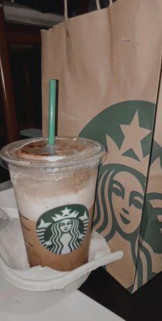 Comida Do Starbucks, Bebidas Do Starbucks, Starbucks Drinks, Applis Photo, Food Photo, Starbucks Snapchat, Sleepover Food, Food Vids, Cute Boyfriend Pictures