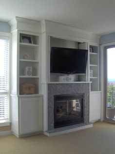 Fireplace Surround w/Flatscreen