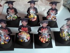 Lembrancinhas de Formatura ABC: 30 Photos et modèles - - Graduation Party Centerpieces, Graduation Party Themes, Graduation Decorations, Grad Parties, Graduation Crafts, Pre K Graduation, Kindergarten Graduation, Preschool Activities, Crafts For Kids