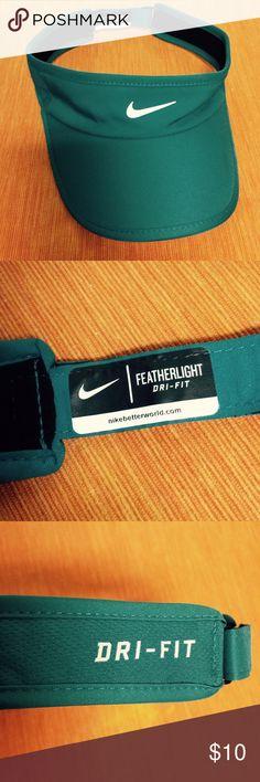 Nike Women s Featherlight Tennis Visor The Nike Women s Featherlight Tennis  Visor is made of 91% 22823ba335c