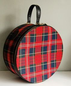 Fun 1940s plaid train case.  When you see these at flea markets or swap meets, buy them!