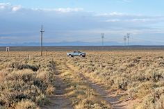 the two tracks in the foreground are the oregon-california-mormon pioneer trail Mormon Trail, Mormon Pioneers, Big Mountain, Old West, Wyoming, Oregon, Country Roads, United States, Tours