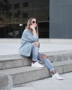 3 LOOKS CON ZAPATILLAS BLANCAS | Mary Wears Boots