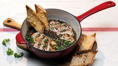 Dokážete si představit hutné a syté jídlo inspirované francouzskou cibulačkou? Iron Pan, Lidl, Kitchen, Dutch Oven, Baking Center, Cooking, Kitchens, Cuisine