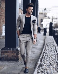 Estilo de ropa hombre y moda casual masculina. Mode Masculine, Business Casual Men, Men Casual, Suits Outfits, Glam Look, Mode Man, Cooler Look, Outfit Trends, Outfit Ideas