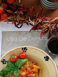 Frisa con pomodori: un pasto che racchiude in 5 lettere tutto il Salento!