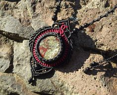 Kézműves csomózott makramé textil egyedi fekete kék nyaklánc ékszer sárkányvér jáspis onyx ásvány nyaklánc linhasita
