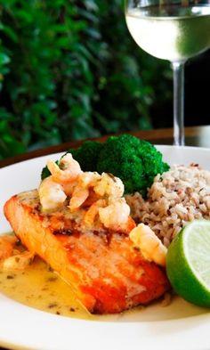 Shrimp & Salmon Piccata (salmão com camarões), por R$ 42,90 (individual), do Tony Roma's (Avenida Lavandisca, 717 - Moema). Mais informações, pelo telefone (11) 3807-0717