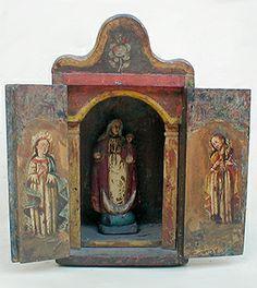 """""""Virgen de la Candelaria""""    Colonial venezolano. Escuela del Tocuyo.                     Siglo XVIII. Medidas: Nicho: 32 x 17cms.   Talla: 17cms"""