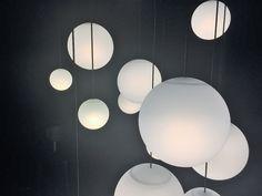 MODIFY SPHERE(パナソニック):きれいな球体がつるされるようにデザインしたペンダントライト。