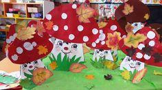 Tree Skirts, Activities For Kids, Christmas Tree, Holiday Decor, School, Board, Teal Christmas Tree, Children Activities, Xmas Trees