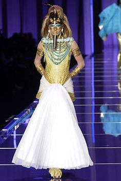 Christian Dior Haute Couture Spring 2004 on Pinterest ...