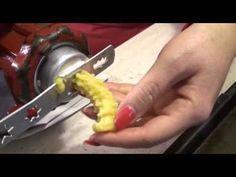 Šlahačkové venčeky - recept na šľahačkové vianočné pečivo - VIDEO Ako sa to robí.sk High Sugar, Graham Crackers, Christmas Cookies, Cookie Recipes, Food To Make, Food And Drink, Favorite Recipes, Baking, Cake