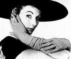Barbara Goalen in Fashion Shot by John French