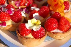 custard tarts with edible flowers