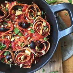#ontheblog my baked tomato & basil tortilla twirls!! Type that into the search engine or go on 'dinner recipes.' It's extremely versatile and can be adapted to any diet, whether you're a cheese or meat lover! This version is my clean and lean vegan option!