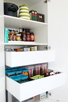 ikea pax wardrobe as kitchen pantry speis pinterest ikea m bel vorratskammer und waschraum. Black Bedroom Furniture Sets. Home Design Ideas