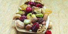 Embora tenham aspecto parecido, as frutas secas podem ser feitas de duas maneiras distintas: frutas liofilizadas e desidratadas. Conheça-as!