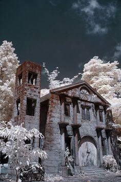 Cemeteries Ghosts Graveyards Spirits:  Haunted Mansion.