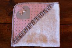 Toalla bebe con capucha Photo Adidas, Cape Bebe, Home Tex, Baby Towel, Manta Crochet, Crochet Bebe, Pot Holders, Decor, Flute
