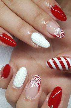 41 suprising christmas nail art design ideas for this new year Christmas Nail Polish, Christmas Nail Art Designs, Xmas Nails, New Year's Nails, Holiday Nails, Christmas Design, Toe Nail Art, Toe Nails, Natural Gel Nails