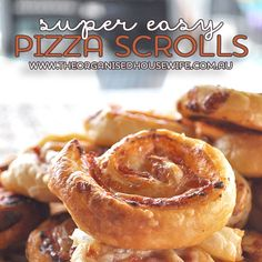{The-Organised-Housewife}-Super-Easy-Puff-Pastry-Pizza-Scrolls
