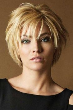 hairstyles long bob hairstyles com hairstyles for black men hairstyles down short hairstyles for men hairstyles with curly hair hairstyles homecoming hairstyles to the side Hairstyles For Fat Faces, Short Layered Haircuts, Short Hairstyles For Thick Hair, Choppy Bob Hairstyles, Haircut For Thick Hair, Short Hair With Layers, Cool Hairstyles, Hairstyle Ideas, Hairstyle Short