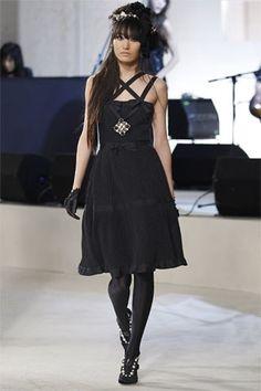 Chanel Pre-Fall 2008 Fashion Show - Elena Sudakova