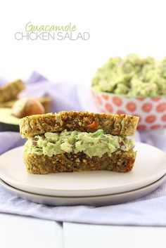Guacamole Chicken Salad - an easy, healthy and delicious lunch recipe. Using pre-made chicken your new favorite sandwich is ready in less that 5 minutes! Guacamole Chicken, Guacamole Recipe, Avocado Recipes, Chicken Salad, Healthy Chicken, Lime Chicken, Keto Chicken, Chicken Wings, Chicken Recipes