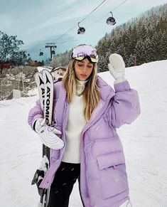 Find images and videos about fashion, style and purple on we heart it - the app to get lost in what you love. Ski Et Snowboard, Snowboard Girl, Ski Fashion, Sport Fashion, Winter Fashion, Winter Outfits, Holiday Outfits, Mode Outfits, Sport Outfits