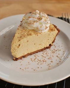 No Bake Peanut Butter Pie - Speed up that party preparation, saving power and time without failing the best dessert feature: flavor. 13 Desserts, Delicious Desserts, Yummy Food, Plated Desserts, Pie Recipes, Dessert Recipes, Pb Pie Recipe, Peanut Butter Recipes, Peanut Butter Cheesecake