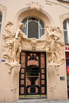 An Art Deco door with Art Nouveau reliefs, Prague, Siroka Architecture Art Nouveau, Amazing Architecture, Architecture Details, Cool Doors, Unique Doors, Entrance Doors, Doorway, Art Deco, Art Nouveau Arquitectura
