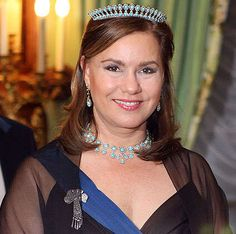 Grand Duchess Maria Teresa, Grand Duchess consort of Grand Duke Henri, wearing the Turquoise and Diamond Tiara, Luxembourg (turquoises, diamonds). Royal Crown Jewels, Royal Crowns, Royal Tiaras, Royal Jewelry, Jade Jewelry, Tiaras And Crowns, Maria Teresa, Diamond Tiara, Casa Real