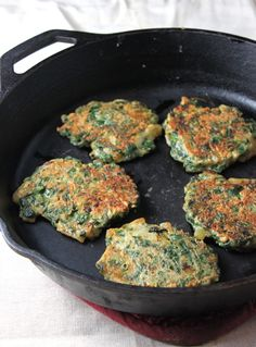spinach pancakes with mint lime yogurt sauce. Veggie Recipes, Mexican Food Recipes, Vegetarian Recipes, Healthy Recipes, Ethnic Recipes, Healthy Meals, Delicious Recipes, Tortillas, Making Sweet Potato Fries