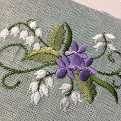 ずずらん、すみれ#刺繍 #embroidery #リネン