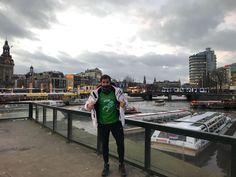 Didac desde Amsterdan con nuestra mítica camiseta de Pura Vida Lanzarote nos recuerda el frío que hace en Europa en estas fechas...esto también es Pura Vidaaaa Supreme T Shirt, Thailand, Pura Vida, Lanzarote