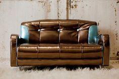Design Revolution - Retro Couch... Love!
