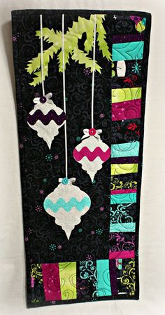Christmas quilt; good exercise for applique...could totally make leaf designs as the image and colors for the sides