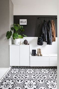 Hallway inspiration Bildet Picture belongs t Entryway and Hallway Decorating Ideas belongs bildet Hallway Inspiration Picture ideas modern ideas storage entryways ideas rustic ideas long Entryway Storage, Entryway Decor, Entryway Furniture, Closet Storage, Storage Area, Furniture Ideas, Entryway Hooks, Towel Storage, Towel Hooks