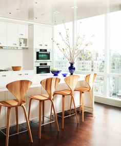 9 Ways to Introduce Color Into a Neutral Space via @domainehome