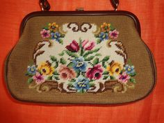 Vintage Handtaschen - Tasche*Vintage*gobelin*braun*Blumenmuster*geblümt* - ein Designerstück von SweetSweetVintage bei DaWanda