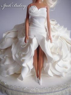 Winter Storm: Doll Cake - Cake by William Tan - CakesDecor Barbie Torte, Barbie Doll Birthday Cake, Bolo Barbie, Barbie Cake, Barbie Dress, Cake Decorating Videos, Birthday Cake Decorating, Wedding Dress Sketches, Designer Wedding Dresses