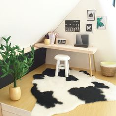 Modern miniature dollhouse renovation More photos Instagram @onebrownbear