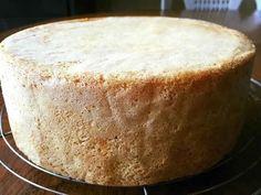 Génoise moelleuse et super facile - YouTube Easy Vanilla Cake Recipe, Easy Cake Recipes, Genoise Cake, Angel Cake, Food Humor, Desert Recipes, Kids Meals, Breakfast Recipes, Sweet Tooth