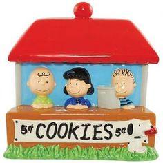 Peanuts cookie jar - Charlie Brown, Lucy, Linus and Snoopy.
