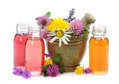 Going natural is usually always better, and your skin is no exception. Use natural essential oils for your skin care. Essential Oils For Colds, Therapeutic Essential Oils, Essential Oils Guide, Essential Oil Uses, Camomille Romaine, Troubles Digestifs, House Smell Good, Cold Home Remedies, Natural Remedies