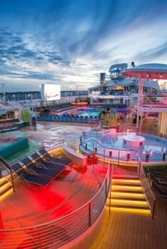 Truly appreciate the beauty of Anthem of the Seas after the sun goes down. The lights of the pool deck make for stunning sights and photographs.