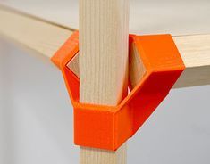Jonction is a low-cost scenography system using printed connectors and standard wood sticks. Maybe something for Printer Chat? Impression 3d, Modular Design, 3d Design, Print Design, Logo Design, Graphic Design, Modular Furniture, Furniture Design, Modular Table