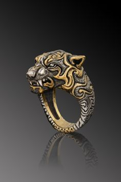 Given to Narana's chosen few, these rings allow Werebears to percieve nature as a living and connected entity. Jewelry Rings, Jewelry Accessories, Jewelry Design, Unique Jewelry, Fantasy Weapons, Schmuck Design, Animal Jewelry, Ring Designs, Vikings