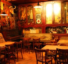 "Le Piano Vache  ""old bar drenched in 70's rock ambiance, live bands"""